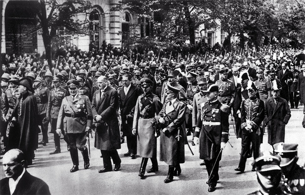 Reakcja świata na śmierć Józefa Piłsudskiego. Hołd złożył mu nawet Adolf Hitler
