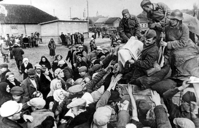 Rebelia na Kresach. Inwazję Sowietów witano kwiatami