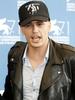 James Franco: Pod czapk� kry�y si� �ysa g�owa i... tatua�