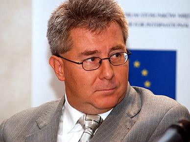 Ryszard Czarnecki: Polsce potrzebna jest zmiana konstytucji