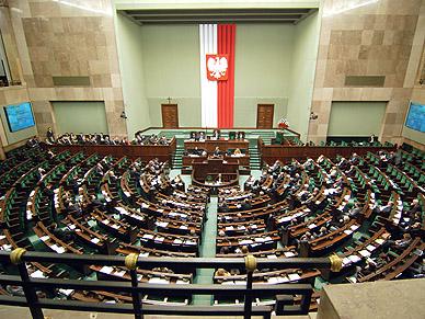 Sonda� poparcia partii politycznych. Ugrupowanie Kukiza przegoni�o Platform�