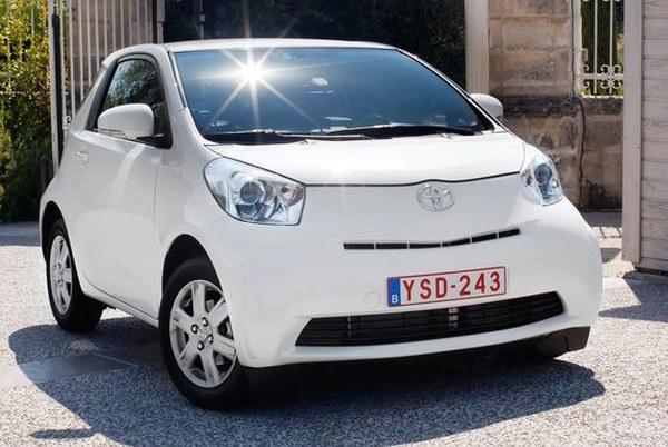 http://i.wp.pl/a/f/jpeg/21696/Toyota-iQ-European-6.jpeg