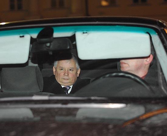 http://i.wp.pl/a/f/jpeg/21789/kaczynski_pis_samochod550.jpeg