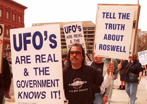 UFO istnieje! Znane osoby, które wierzą