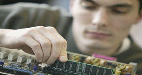10 typowych awarii komputera i jak je naprawi�
