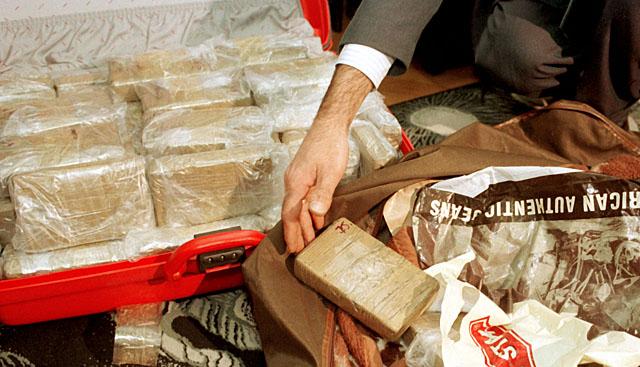 Rekordowy przemyt: 230 kg heroiny na lotnisku