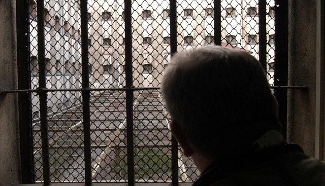 Dziary, grypsy i git-ludzie - krymina� pod lup�