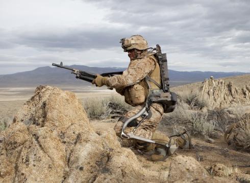 http://i.wp.pl/a/f/jpeg/24988/egzoszkielet-hulk-wojsko-wojna-490.jpeg