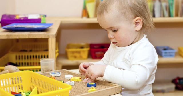 Czy ��obek to krzywda dla dziecka?