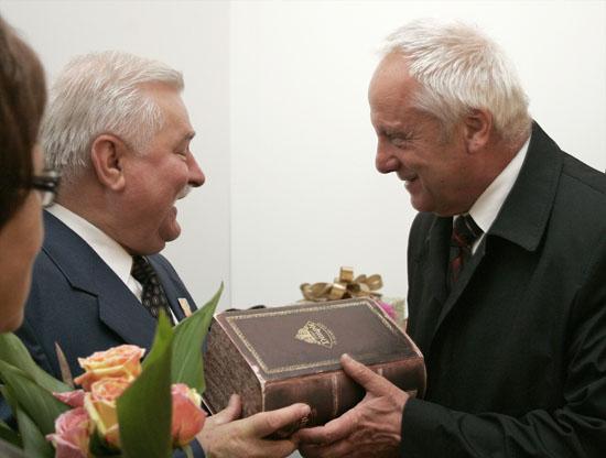 Kto przyby� na 67. urodziny Lecha Wa��sy? - zdj�cia