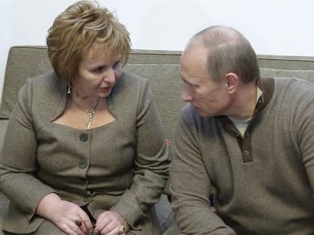 �ona Putina potwierdza, �e ich ma��e�stwo trwa
