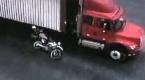 Zderzenie motocyklisty z ciężarówką