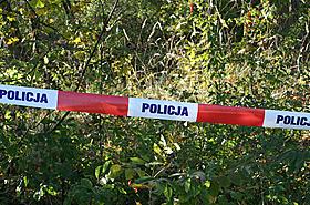 Makabra! 18-latka rodzi�a w lesie i porzuca�a dzieci