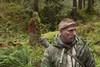 """Do czego przyda się kamera 35 mm, paczka papierosów i prezerwatywy w samym sercu laotańskiej dżungli?Dwa oblicza survivalu(ang. Dual survival)Premiera: środa, 3 listopada o godz. 21:30 na kanale Discovery ChanelKolejne odcinki: środy o godz. 21:30 Dave i Cody stawiani są w sytuacjach, które mogą przytrafić się każdemu: wyrzuconym na brzeg kajakarzom, zagubionym podróżnikom czy wspinaczom górskim. Minimalna ilość sprzętu, którą nosimy przy sobie codziennie nie wystarczy w ekstremalnych sytuacjach. Trzeba wtedy wykorzystywać nie tylko swoje umiejętności, ale także znaleźć nowe zastosowanie pozornie nieprzydatnych przedmiotów, by wyjść cało z niebezpiecznych zdarzeń. Tylko teraz widzowie będą mieli okazję poznać nie jedno, ale """"Dwa oblicza survivalu""""."""