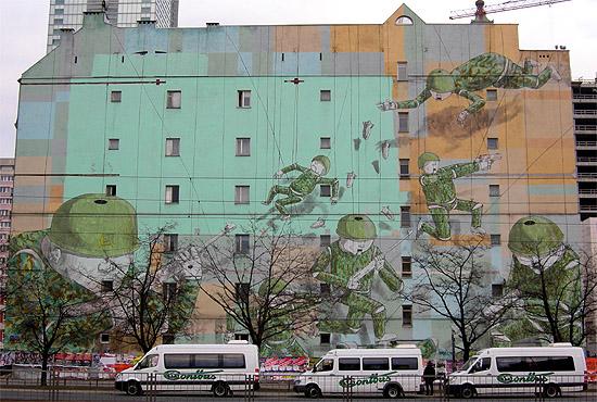Warszawa r dmie cie apartamentowiec z ota 44 192 m for Mural warszawa 44