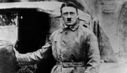 ... sensacyjne doniesienia FBI! Hitler po wojnie ukrył <b>się</b> w Argentynie