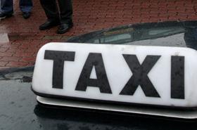 Kurs grozy. 22-latek wbił taksówkarzowi nóż w szyję!