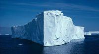 Gigantyczna góra lodowa zbliża się do ...