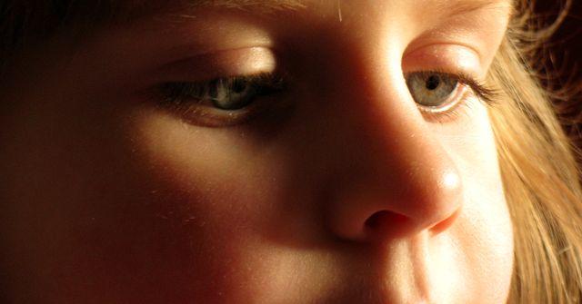 Autyzm, czyli niezwyk�e dziecko w zwyczajnym �wiecie
