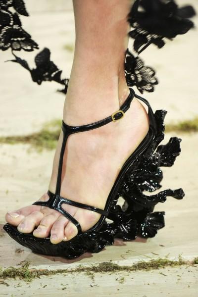 Buty według Alexandra McQueena