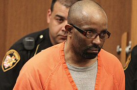 Zapraszał na drinka, gwałcił, a potem zabijał. I tak 11 razy...