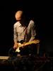 MARTIN SIEWERT /AT/Martin Siewert gra na gitarze i instrumentach elektronicznych, improwizuje i komponuje zarówno w akustycznym, jak i elektronicznym kontekście. Pracuje dla teatru, filmu, tańca,jest autorem wielu remiksów i instalacji dźwiękowych. Udziela się w zespołach Trapist (z Joe Williamsonem i Martinem Brandlmayrem), Efzeg (z Haufem, Stanglem, Roiszem), Half Wolf (z Borisem Haufem i Stevenem Heatherem), Invariant (audiowizualny duet z Michaelą Grill), Duo Dieb13 / Siewiert i Heaven And (z Zeitblom, Tonym Buckiem i Stevenem Heatherem). Pracował i pracuje z olbrzymią liczbą międzynarodowych muzyków oraz z artystami uprawiającymi performance, taniec, film i sztukę mediów. Pracuje i tworzy w Wiedniu.