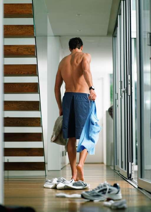 2. Zdejmowanie butów w domu