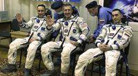 Sojuz wystartowa�. Leci trzech nowych ...