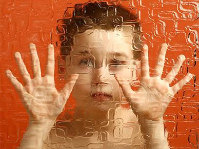 dziecko_za_szyba_autyzm