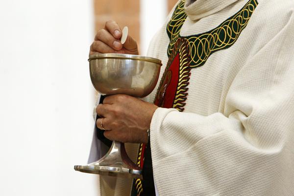 O. Krzysztof M�del dosta� zakaz wypowiedzi za incydent w parafii