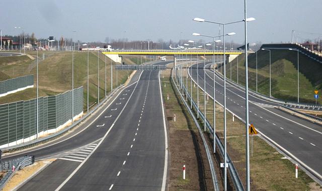 Kto zyskuje na przeje�dzie autostrad� A1?