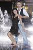 """Nie ucieszy natomiast fanów Kasi Cichopek wiadomość podana przez """"Fakt"""". Aktorka  miała otóż szansę i, podejrzewam, ochotę, zostać ozdobą nowego  programu Polsatu """"Tylko taniec"""". O posadę jurora w tym programie  starał się również jej mąż, tancerz Marcin Hakiel. Niestety. Oboje ponieśli klęskę."""