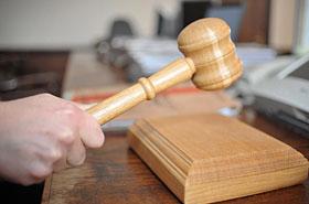 Eksradna PO skazana na 2,5 roku więzienia za rozbój na mężu