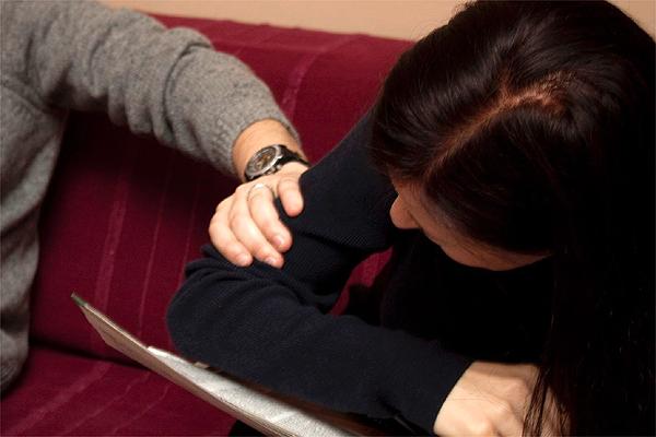 Ekspertki: ofiara przemocy musi być supermenedżerką swojego przypadku