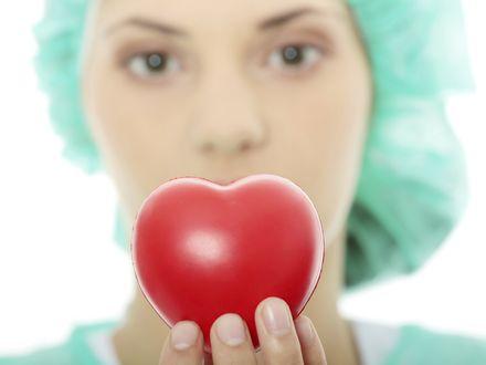 Zawa� serca u pa� rzadziej daje klasyczne objawy