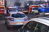 Pi�cioro dzieci i opiekunka zgin�li w zderzeniu minibusu z ci�ar�wk� we Francji