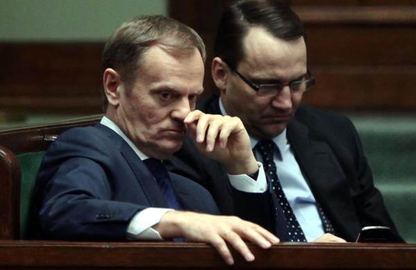 Premier Donald Tusk i minister Rados�aw Sikorski
