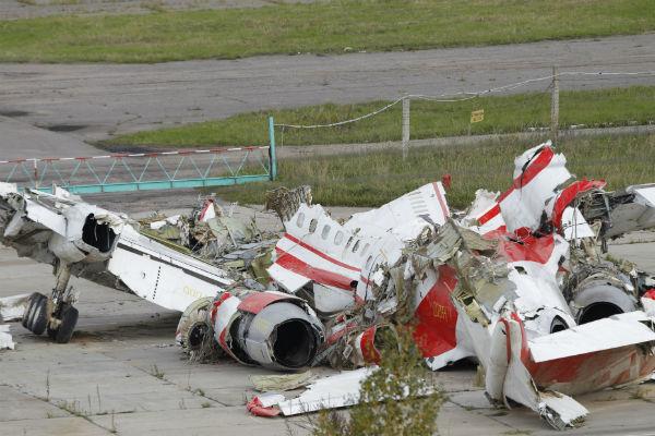Szcz�tki polskiego samolotu Tu-154M