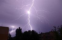 25 tys. odbiorc�w bez pr�du po nocnych burzach w Wielkopolsce