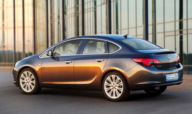 Opel Astra IV sedan: pierwsze zdj�cia