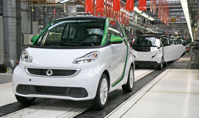 Elektryczny Smart: ruszy�a produkcja