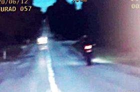 Motocyklista w kilka minut uzbiera� 33 punkty karne