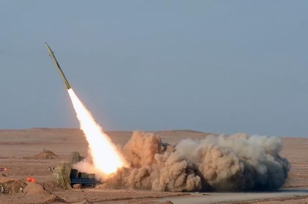 Iran udoskonala ju� swoje rakiety, czy wkr�tce zdob�dzie tak�e bro� atomow�?