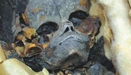 Czyje szcz�tki odnaleziono w egipskiej piramidzie?