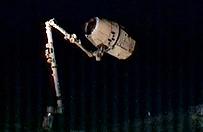 Prywatny statek kosmiczny dotar� do Mi�dzynarodowej Stacji Kosmicznej