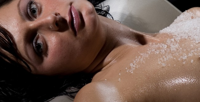 Takie są współczesne kobiety - grubsze, bardziej rozpasane seksualnie i pijane