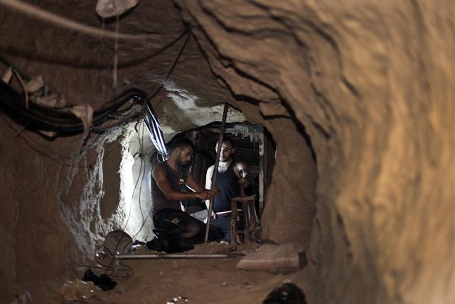 Strefa Gazy Picture: Tunele Przemytnicze W Strefie Gazy. Naprawa Szkód Po