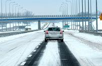 Zima utrudnia ruch na drogach w wielu regionach kraju