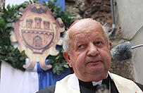 """Kard. Stanisław Dziwisz: """"Klątwa"""" to ohydne poniżenie świętego Jana Pawła II"""