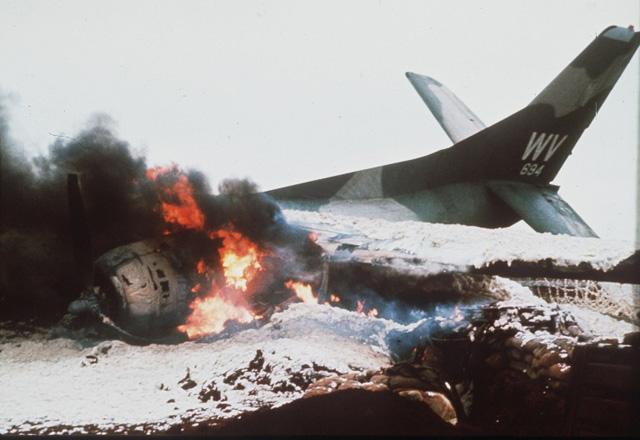 Wi�cej bomb ni� podczas II wojny �wiatowej i miliony litr�w trucizn